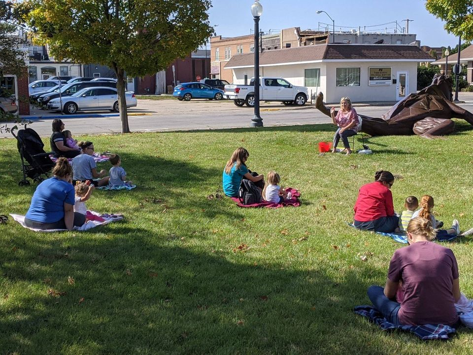 Outdoor Storytime1